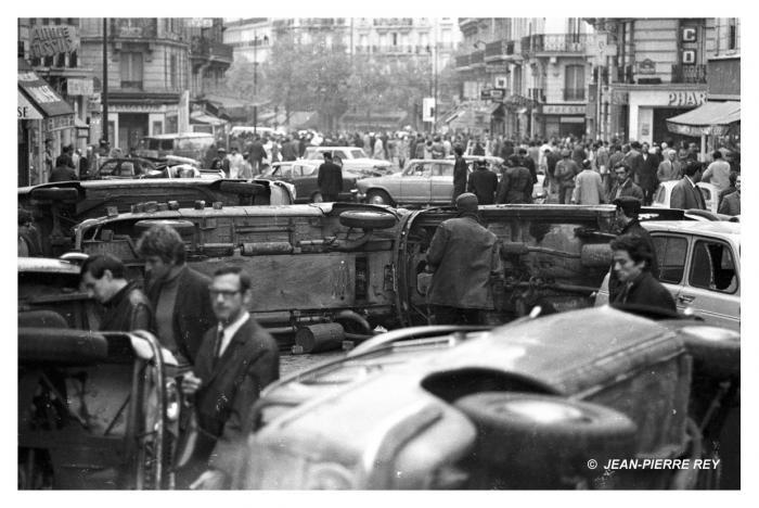 Matin du 11 mai 1968, aprés la nuit des barricades