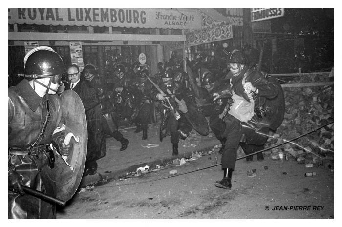 08.10-mai-1968-Nuit-des-barricades.J-P.-Rey1