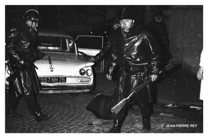 53.23-mai-1968-Les-forces-de-lordre-J-P.-Rey